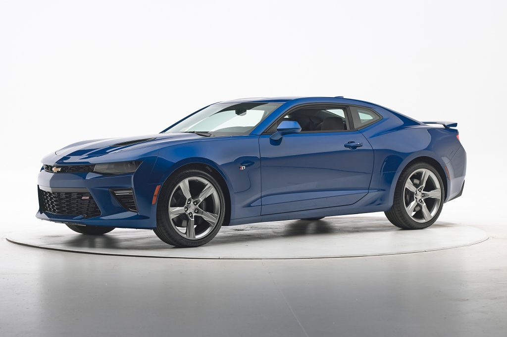 2016-Chevrolet-Camaro-IIHS-Crash-Test-front-three-quarter