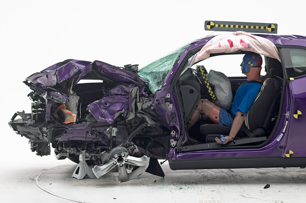 2016-Dodge-Challenger-IIHS-Crash-Test-front-end-damage