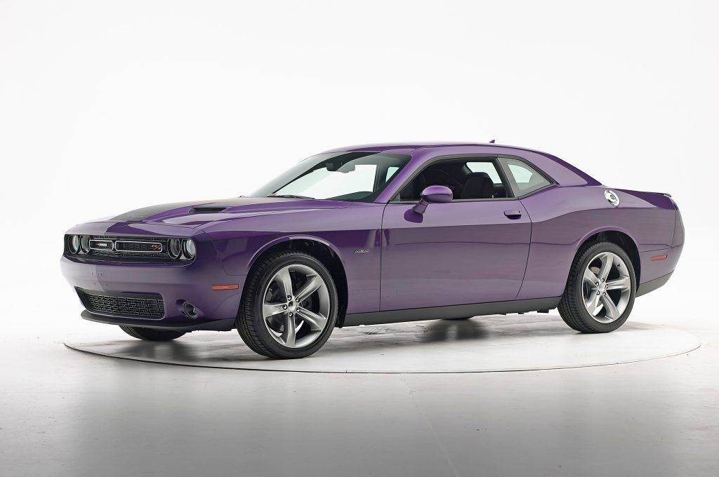 2016-Dodge-Challenger-IIHS-Crash-Test-front-three-quarter
