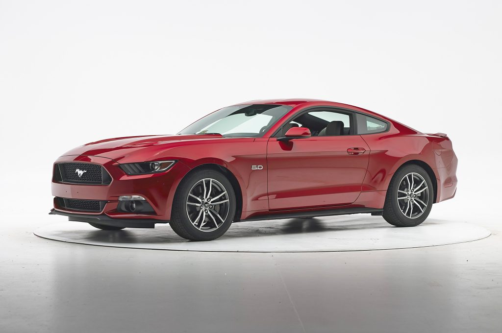 2016-Ford-Mustang-IIHS-Crash-Test-front-three-quarter