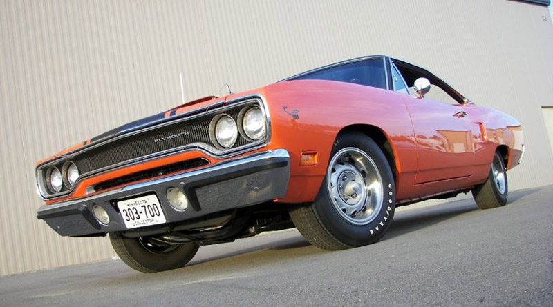 8-1970-Plymouth-road-runner-426-hemi-425-hp-4-speed