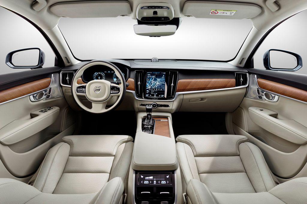 2017-Volvo-S90-interior-view-02