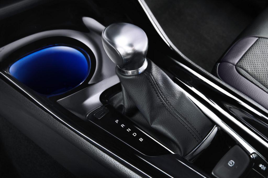 Toyota-C-HR-European-Spec-Interior-Shifter