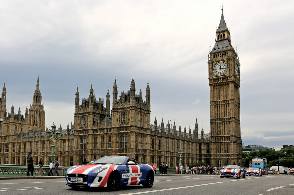 Union-Jack-liveried-F-TYPEs-with-Londons-Big-Ben-