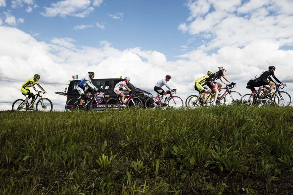 Competitors perform during the 3rd stage Perm-Yekaterinburg at the Red Bull Trans-Siberian Extreme race in Moscow, Russia on July 18th, 2015. // Jaanus Ree/Red Bull Content Pool // P-20150719-00074 // Usage for editorial use only // Please go to www.redbullcontentpool.com for further information. //