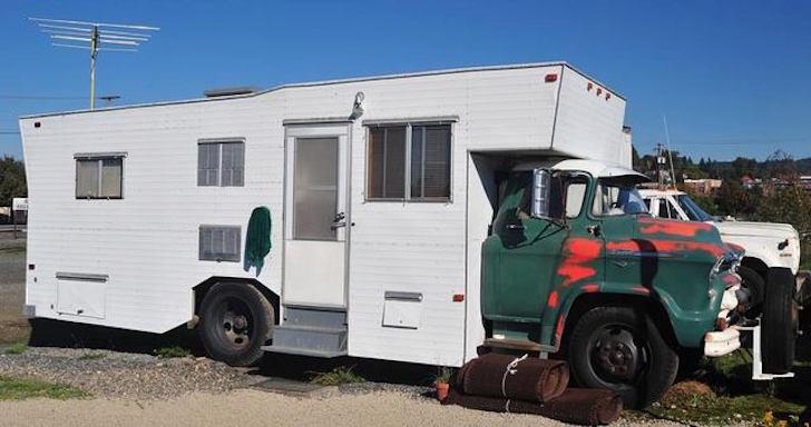 Vintage-Chevy-camper