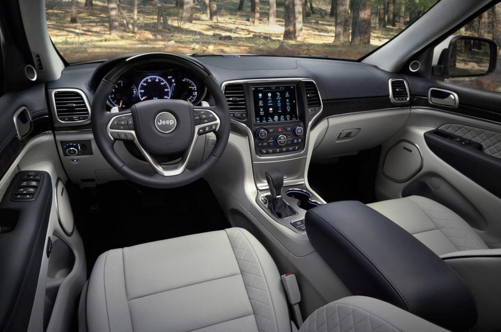 2017-jeep-grand-cherokee-summit-interior