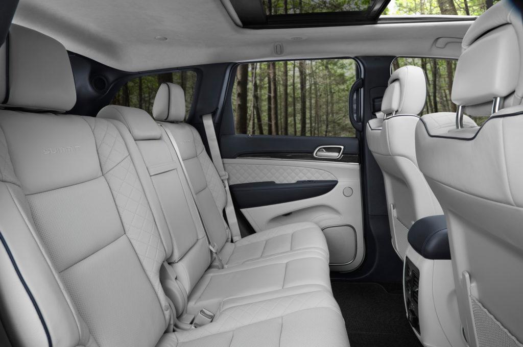 2017-jeep-grand-cherokee-summit-rear-interior-seats