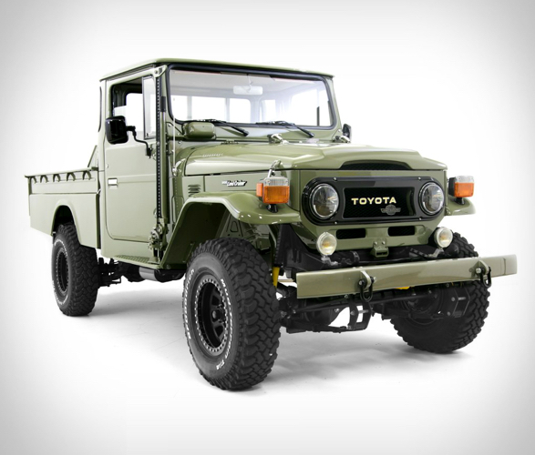 Toyota Land Cruiser HJ-45 Long Bed